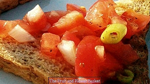 Good wholesome bruschetta with garlic, onions and tomatoes