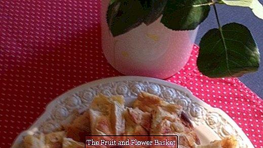 Yeni başlayanlar pişirme için basit lezzetli elmalı turta