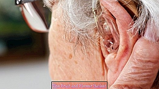Exercise correct handling of hearing aids