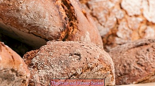 Bake wheat mixed bread yourself