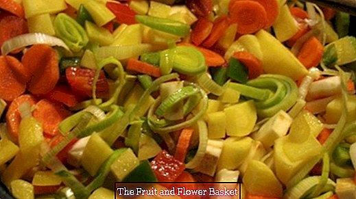 Estofado de verduras picante fuerte con ñoquis y cabanossi