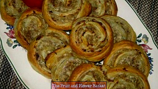 Meat slices with puff pastry