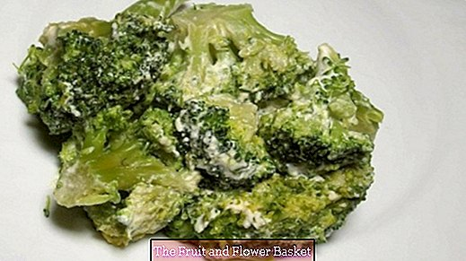 Cook broccoli in the microwave in a vitamin-friendly way