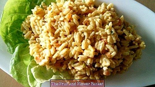 Riža salata s curryjem