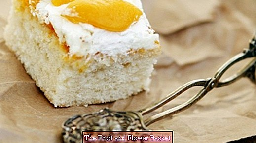 Apricots and vanilla sheet cake