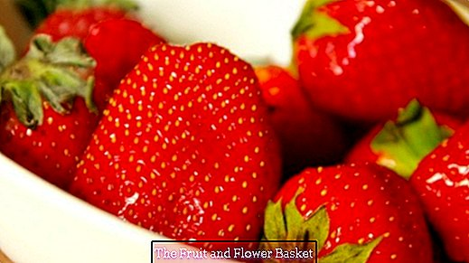Strawberries for pimples