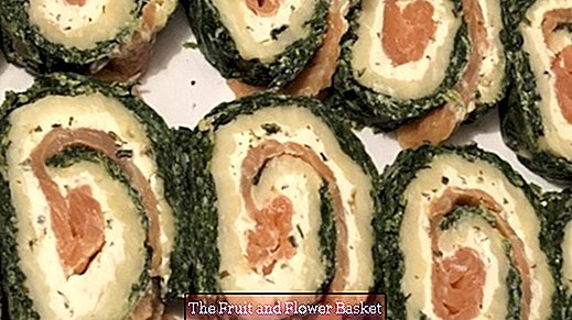 Salmon roll with spinach and cream cheese