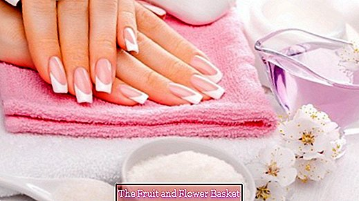 French Nails / Manicure - do it yourself