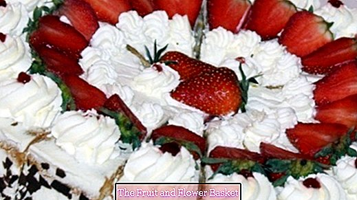 Strawberry cake super fast and easy