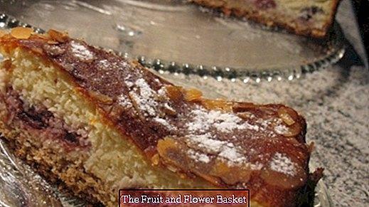 Tvarohový třešňový dort s kokosovou příchutí